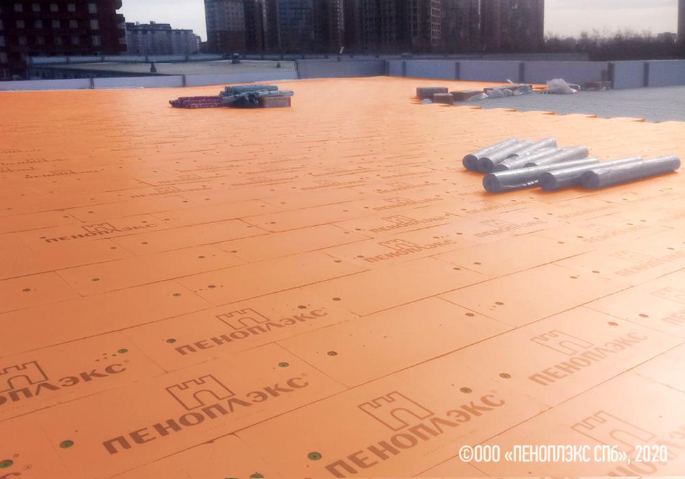ПЕНОПЛЭКС® на крыше центра «Лексус-Красноярск»